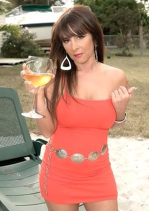 Hot Drunk MILF Porn Pictures