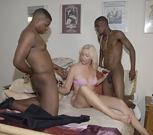 Hot MILF Interracial Porn Pictures