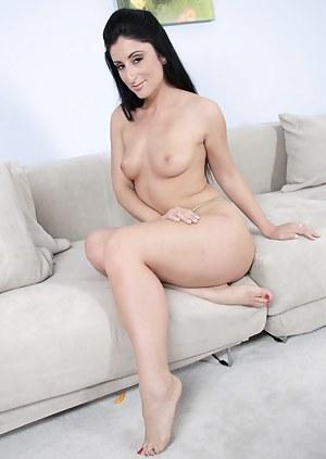 Hot Brunette MILF Porn Pictures
