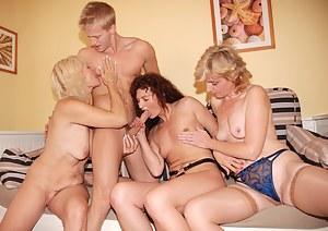 Hot MILF Blowjob Porn Pictures