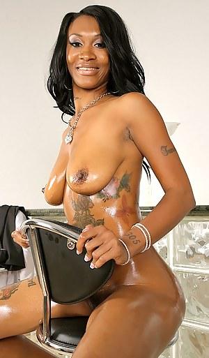 Hot Black MILF Porn Pictures