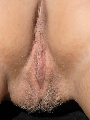 Hot MILF Close Up Porn Pictures