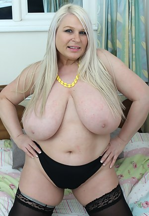 Hot Fat MILF Porn Pictures