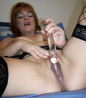 Hot Big Pussy MILF Porn Pictures