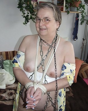Hot MILF Bondage Porn Pictures