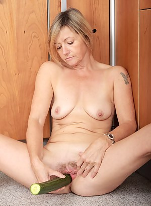 Hot MILF Fetish Porn Pictures