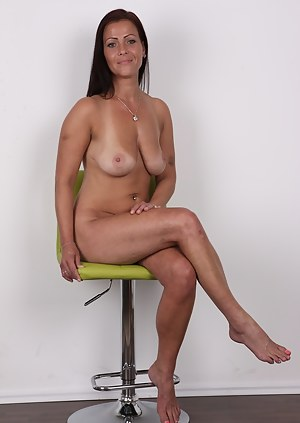 Hot Tanned MILF Porn Pictures