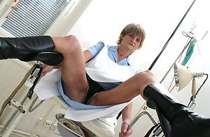 Hot MILF Gyno Porn Pictures